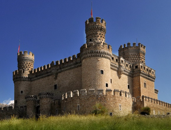 Landmark New Castle of Manzanares el Real